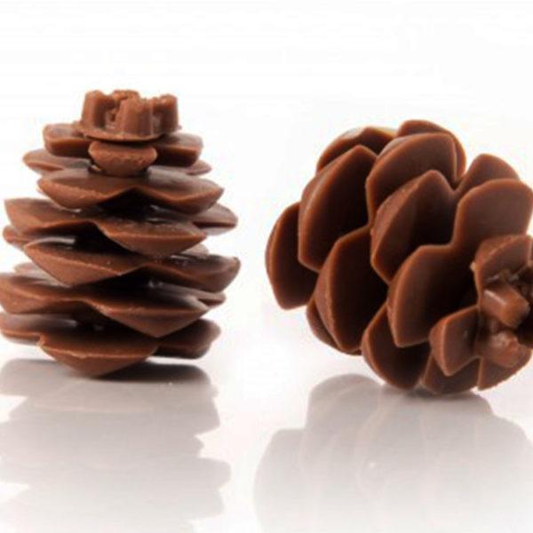 Декоративное украшение из натурального шоколада 77265 Сосновая шишка