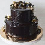 Стильный торт на золотой подложке_4