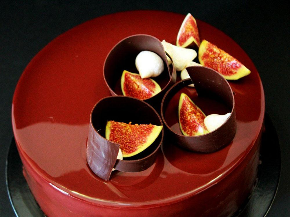Шоколад натуральный Latte Bay Scagliette Бай Скальетте Латте крошка_торт с украшением из шоколада