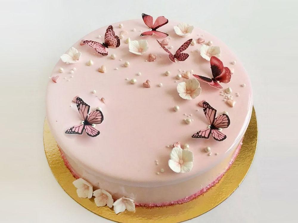 Торт с вафельными украшениями Бабочки_2